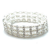 Georgeous is the word for this pearl, rhinstone and Austrian crystal bracelet