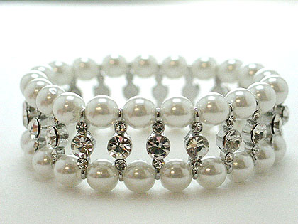 What an absolute stunning pearl and crystal stretch bracelet this is $65