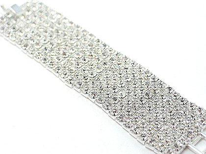 7 rows linked  rhinestones clasp bracelet, you will only find this bracelet in the most respected jewelry stores, $100 only through Darenot