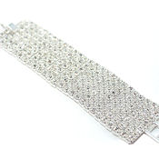 7 rows linked rhinestones clasp bracelet, you will only find this bracelet in the most respected jewelry stores,